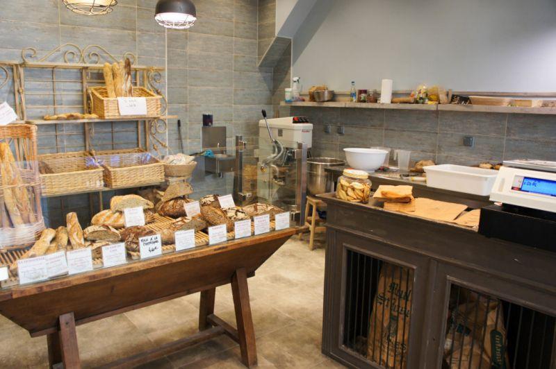 cr ation d 39 une boulangerie marseille 13007 konceptor. Black Bedroom Furniture Sets. Home Design Ideas